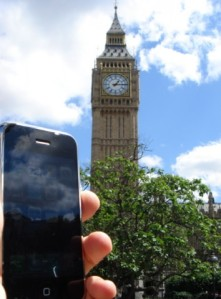 Mr._iPhone_at_Big_Ben_medium
